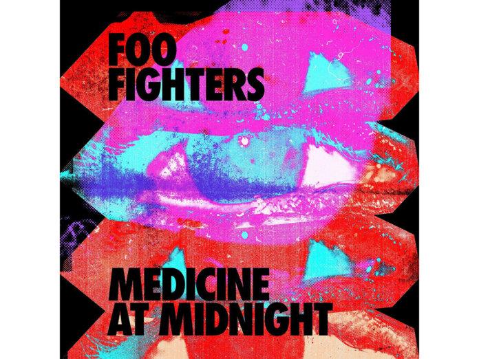 Foo-Fighters-Medicine-at-Midnight-696x522
